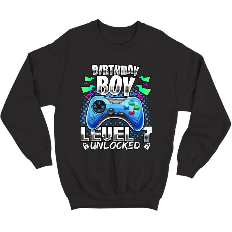Level 7 Unlocked Video Game 7th Birthday Gamer Gift T-shirt Crewneck Sweater
