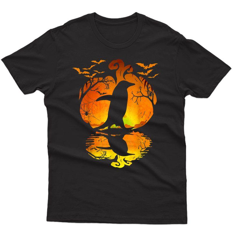 Penguin Silhouette Pumpkin Halloween Costume T-shirt